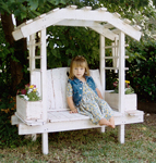 Childs Trellis Arbor Bench></a></div></td>